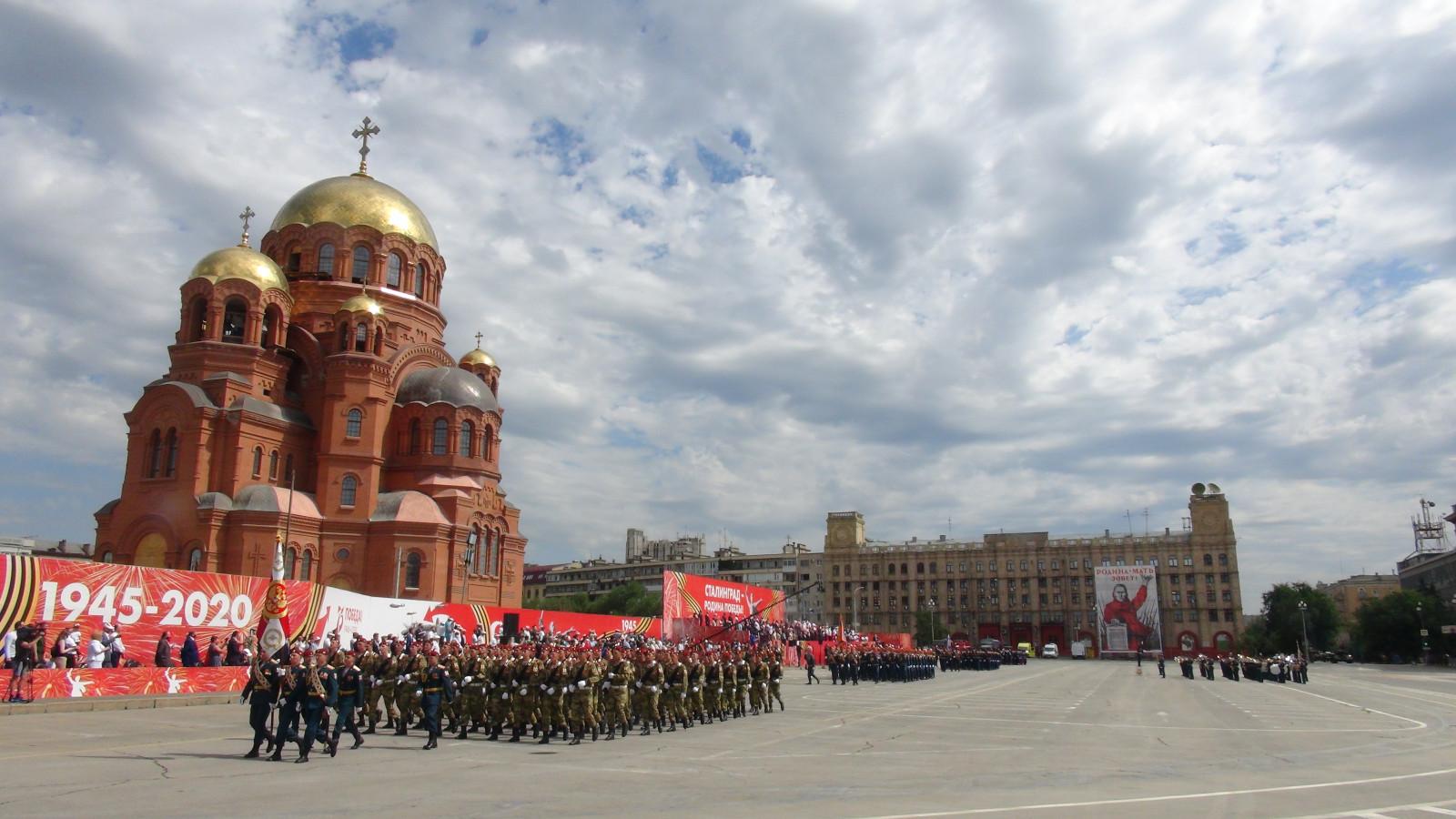 Парад Победы в Сталинграде 24 июня 2020 - парадные расчеты, техника, авиация: видео