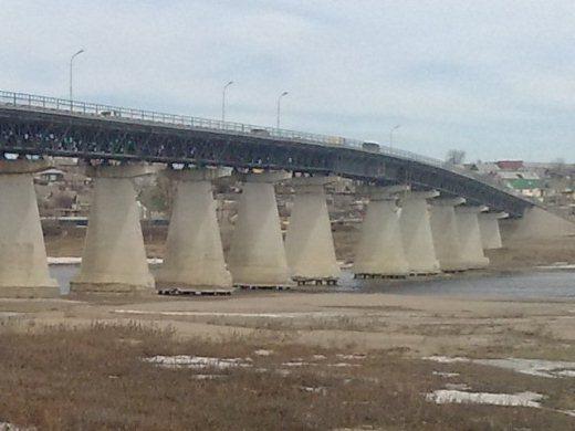 Под Волгоградом парень покончил жизнь самоубийством прыгнув с моста в реку