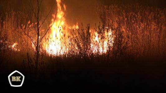В Серафимовичском районе Волгоградской области на тушении пожара задействовано почти 400 человек и более 70 единиц техники плюс 2 вертолета  МИ-8 и МИ-26