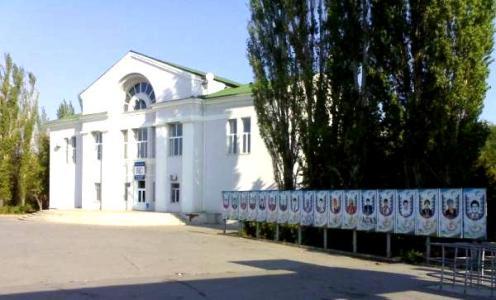 Бассейн Центрального стадиона Волжского из-за долгов остался без света