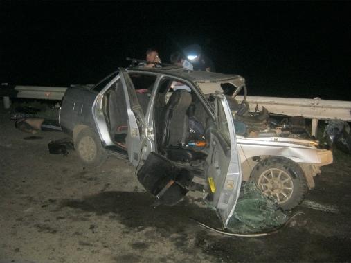 В ДТП на 446-м километре трассы «Астрахань - Волгоград» погибли два человека