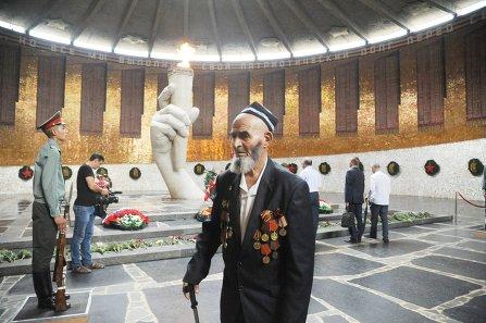 Участник Сталинградской битвы Хаким Халимов из Таджикистана приедет на Парад Победы в Москву