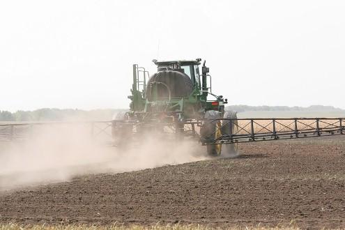 На сегодняшний день озимые в Волгоградской области посеяны на площади около 1,2 миллиона гектаров