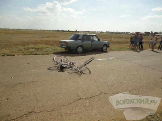 В городе-спутнике Волгограда 13-летний велосипедист после ДТП умер в больнице