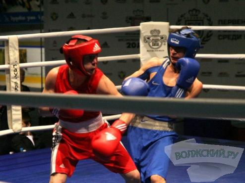 «Золото» Всероссийского юниорского первенства по боксу у Волжанина