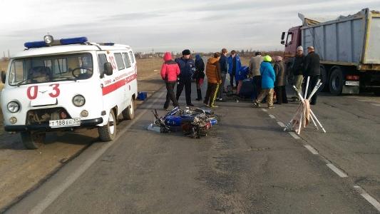 На трассе «Волгоград – Астрахань» житель Волжского на «Ладе Ларгус» сбил насмерть водителя мопеда «Alpha Sabur»