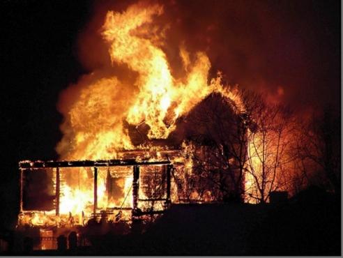 В Волгоградской области в своем доме сгорели два малыша и их родители