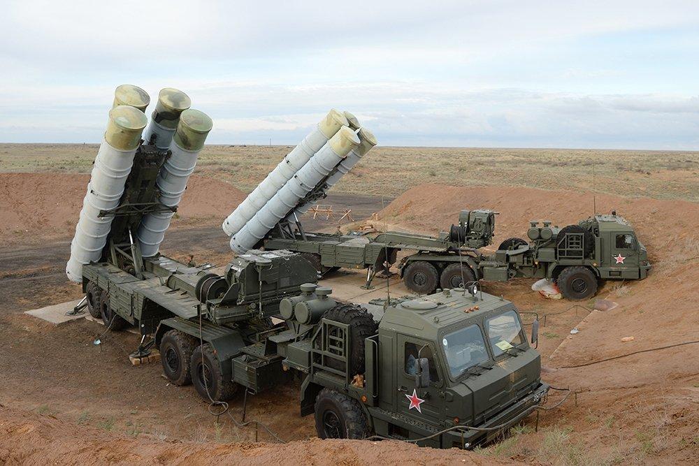 Поставка российских ЗРК С-400 в Индию начнётся в октябре 2020 года