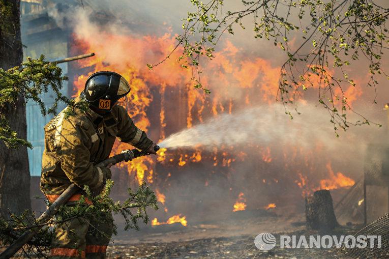 В Волгограде состоялось экстренное заседание комиссии по ЧС в связи с пожароопасной ситуацией