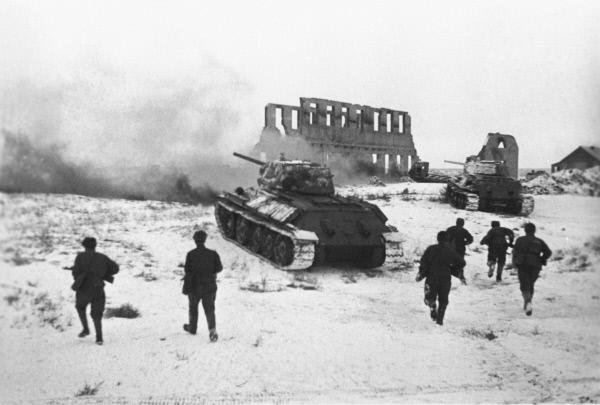 Более 70 единиц боевой и специальной техники пройдет 2 февраля по главной площади в Волгограде