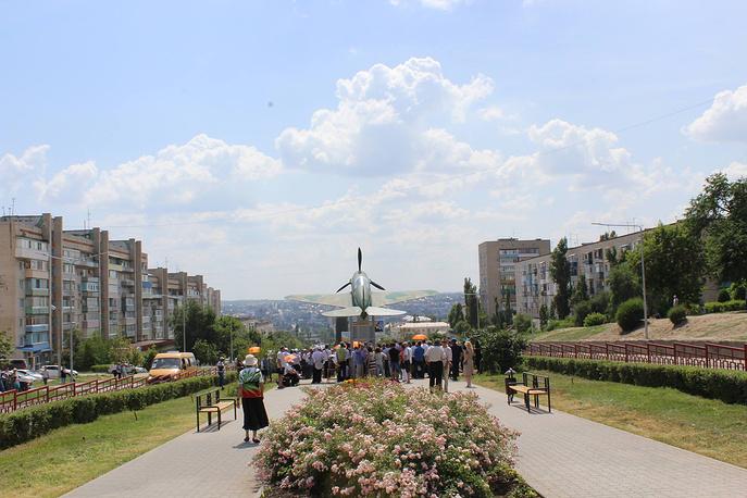 Памятник самолету Як-1 на котором летал Маресьев открыт в Камышине