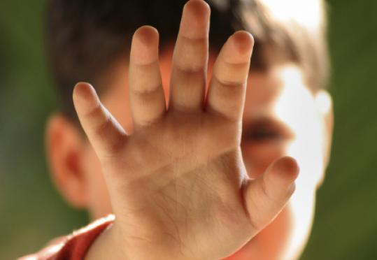 Под Волгоградом отец с сыном более 8 лет надругались над маленькими девочками