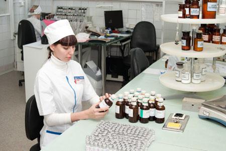 В Волгоградской области разница цен на медикаменты в частных и государственных аптеках достигает 10%
