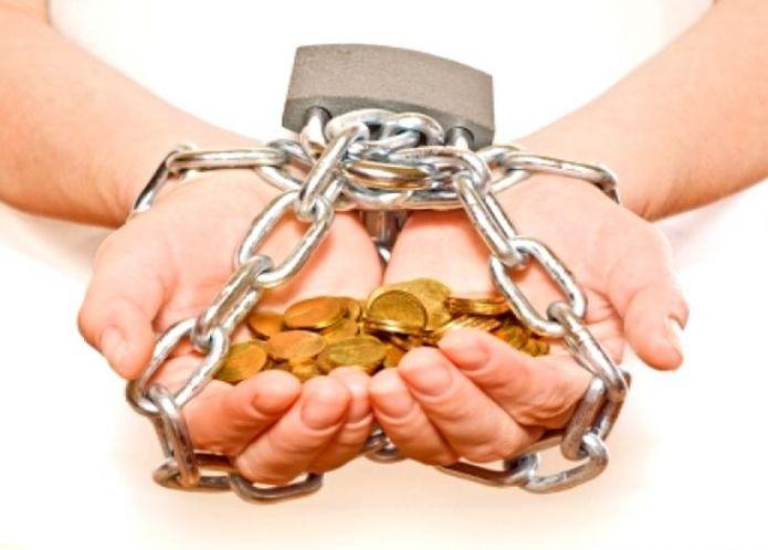 Максимальную сумму долга по кредитам в России хотят ограничить