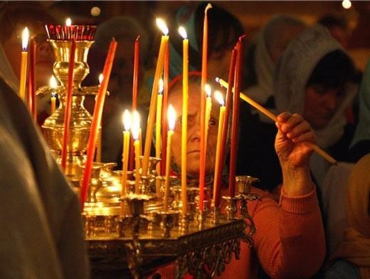 В ночь с 30 апреля на 1 мая во всех православных церквях и храмах Волгоградской области прошли торжественные всенощные молебны