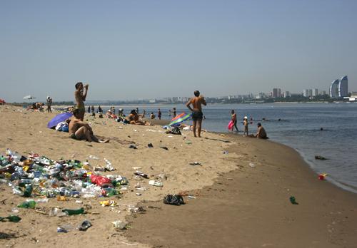 На один из сорока трех пляжей Волгоградской области приходится более 59 тысяч человек, что в 1,6 раза превышает среднероссийский показатель